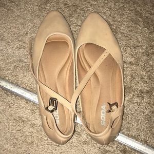 Flata beige 9 used once